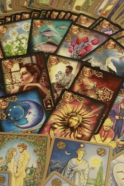 Tarot Avanzado. Tirada Horoscópica